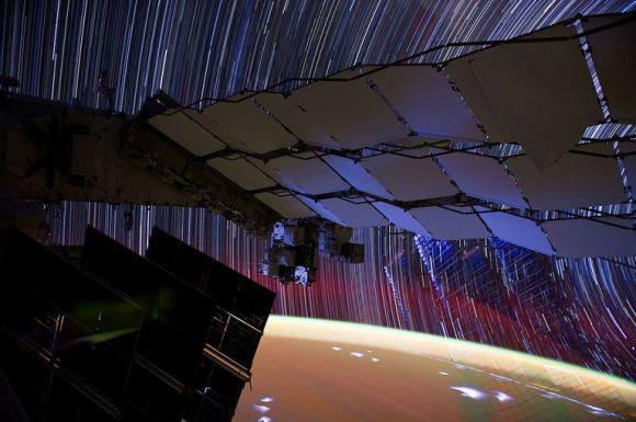 Fotos em longa exposição do espaço (12)