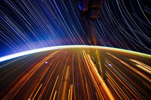 Fotos em longa exposição do espaço (4)