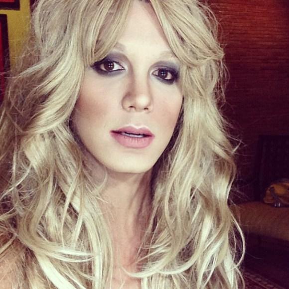 celebrity-makeup-transformation-paolo-ballesteros-24[1]