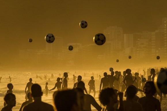 """TOPSHOTS 2014-BRAZIL-IPANEMA BEACH-FEATURE"""