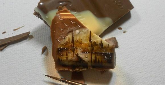 Artista turco é capaz de pintar paisagens em miniatura usando alimentos como tela