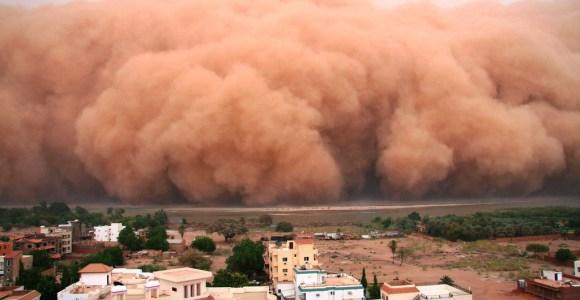 15 imagens impressionantes de tempestades de areia que farão você pensar no fim do mundo