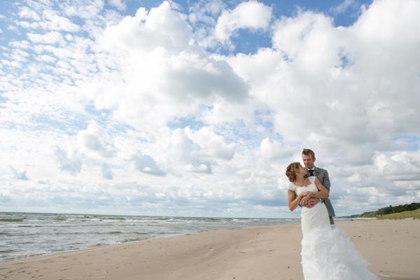 ST_Lizzie_Photo_colorful_diy_wedding_0032.jpg