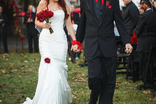 ST_Carrie_Wildes_Photography_halloween_wedding_0023.jpg
