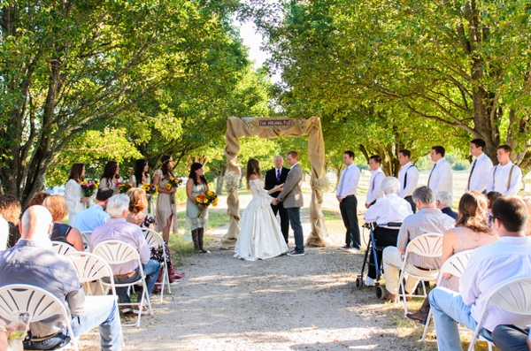 ST_Elizabeth_Henson_Photos_rustic_DIY_wedding_0019.jpg