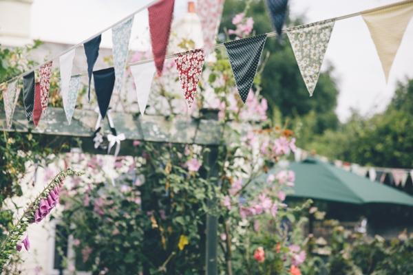 SomethingTurquoise_DIY_Wedding_Ross_Talling_Photography_0023.jpg