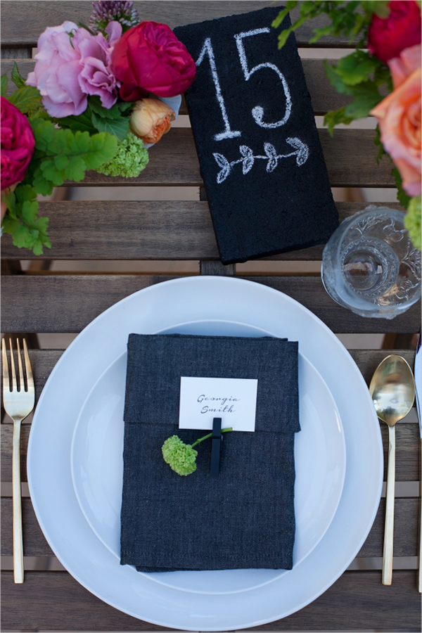 how to make chalkboard escort cards