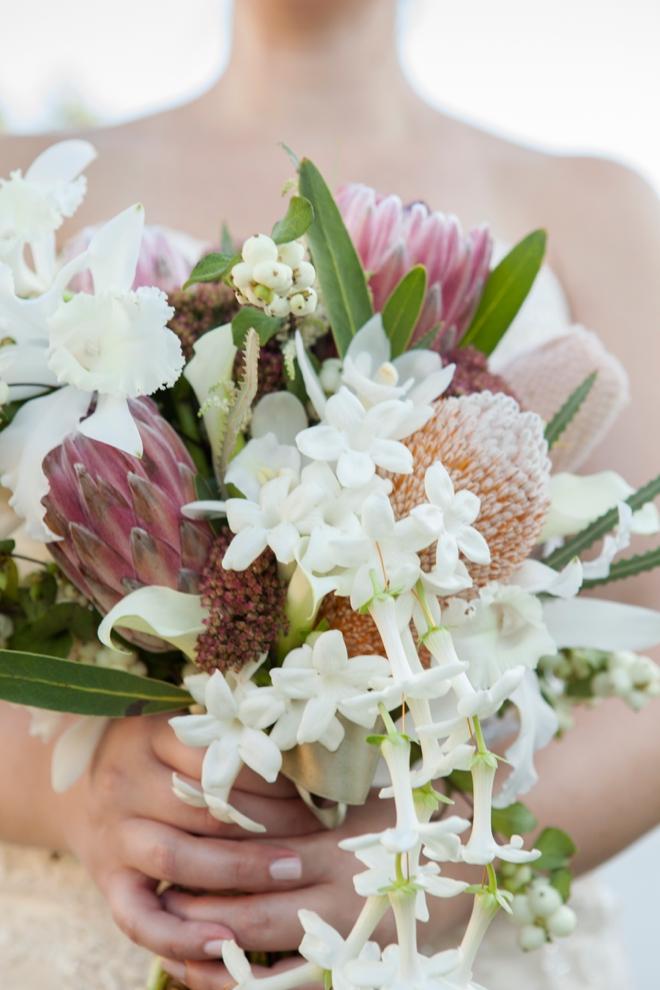 White fall wedding bouquet