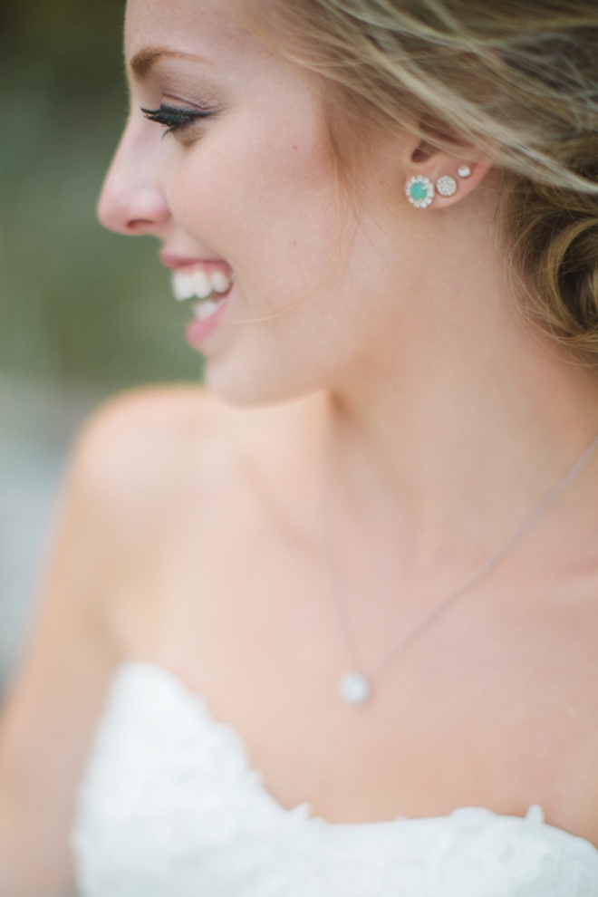 The gorgeous bride and her jewelry