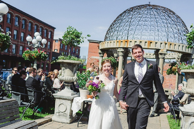 Gorgeous bride and groom leaving their goregous outdoor ceremony!