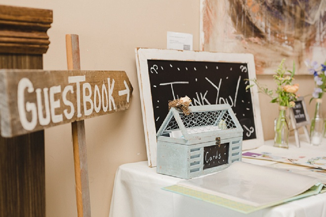 Loving the handlettered signs for the guest book!