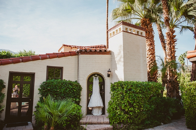 In LOVE with this beautiful dress shot at this boho-chic Palm Springs wedding!
