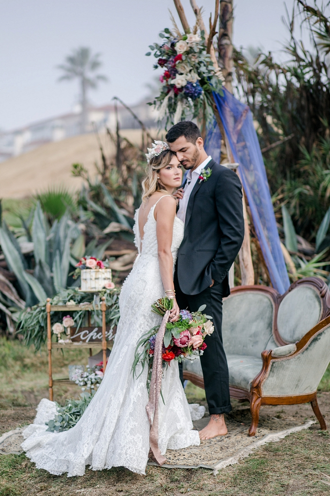 We are in LOVE with this stunning styled beach wedding!