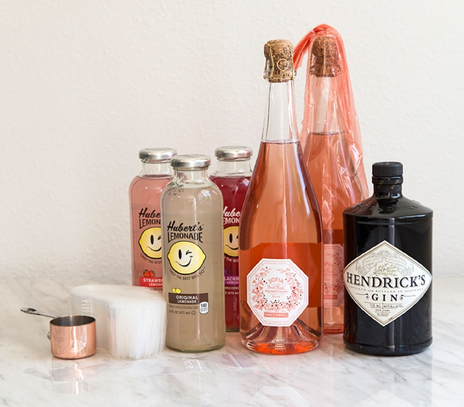 Make your own Rosé popsicles, perfect for summer!