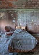 Buck-Hill-Inn-26-room-bed-chair