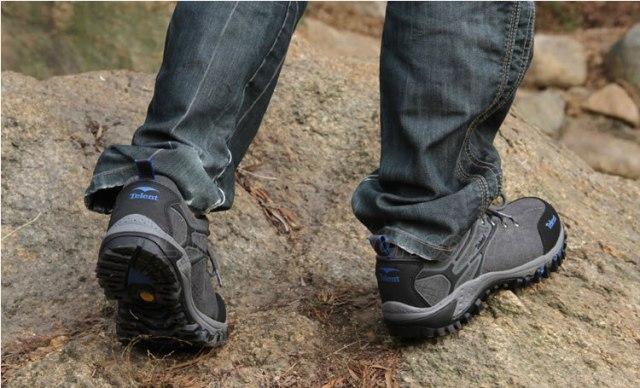 womens-hiking-shoes-8a20039