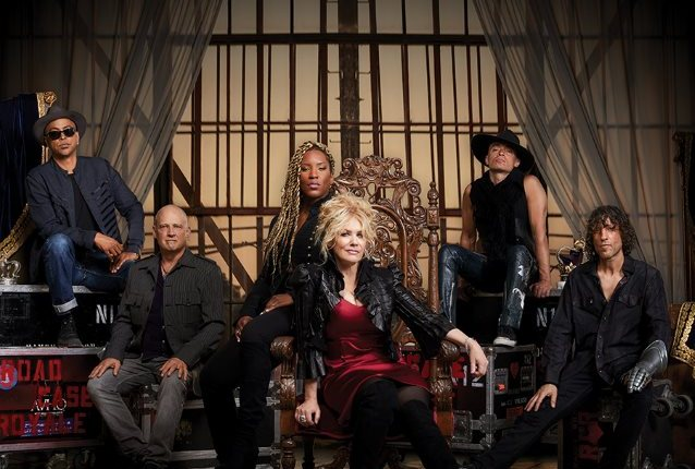 HEART's NANCY WILSON On New Group ROADCASE ROYALE: 'There's Good Energy With This Band'
