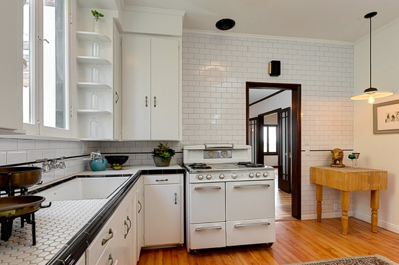 Kitchen with vintage stove