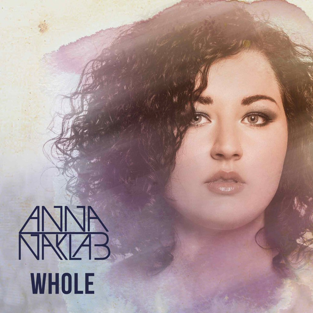 Exklusive Videopremiere: Anna Naklab - Whole [Behind the Scenes]