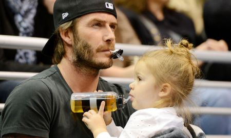 £££David-Beckham-and-daughter-Harper-watch-the-Los-Angeles-Kings-ice-hockey-team-play-Calgary-Flames-at-the-Staples