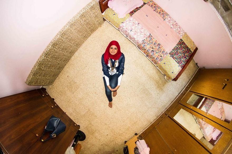 bedrooms-around-world-my-room-project-john-thackwray-10-57fb380ae1b98-jpeg__880
