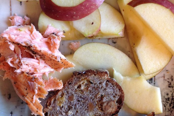 Lunch: Salmon and Apples
