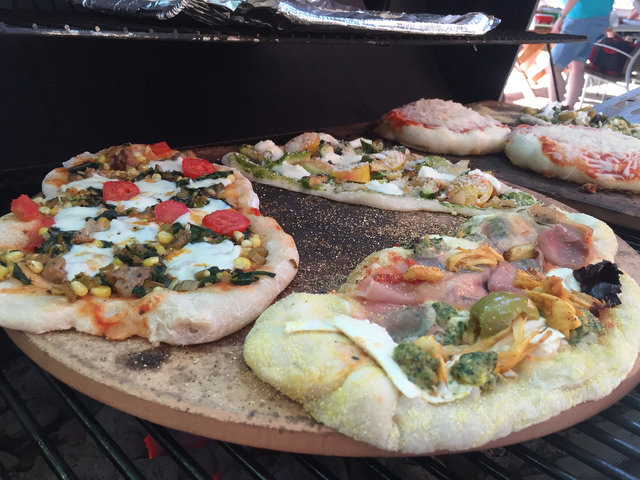 Pizza on the Grill at Oratamin