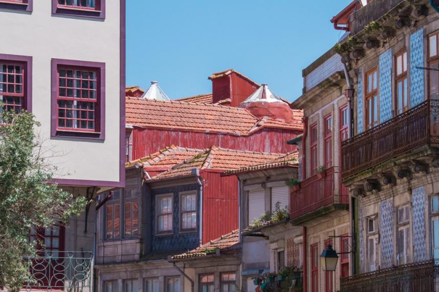Maisons en taule et azulejos