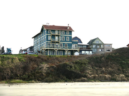 the sylvia beach hotel at nye beach at newport oregon. Black Bedroom Furniture Sets. Home Design Ideas