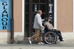 wheelchair-908343_1280