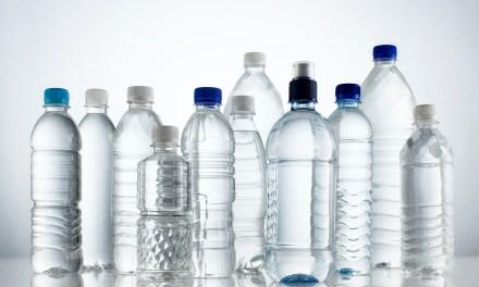 Consejos para evitar los riesgos de las botellas de plástico