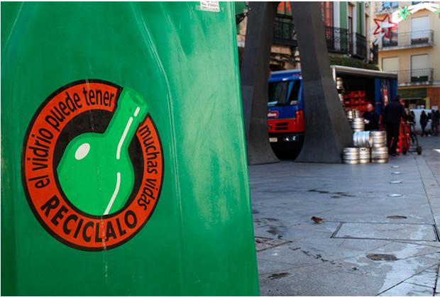 Contenedor para el reciclaje de vidrio