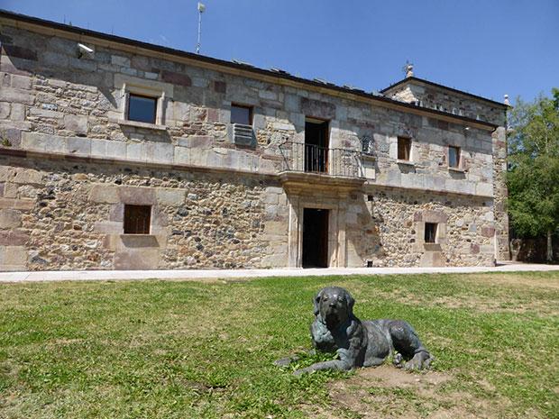 Palacio de los Quiñones de Riolago de Babia, sede de la Casa del Parque de Babia y Luna