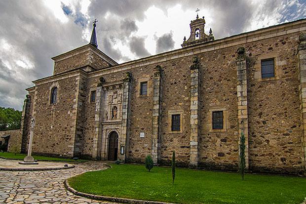 Monasterio de San Miguel de las Dueñas / Foto de ccbierzo.es