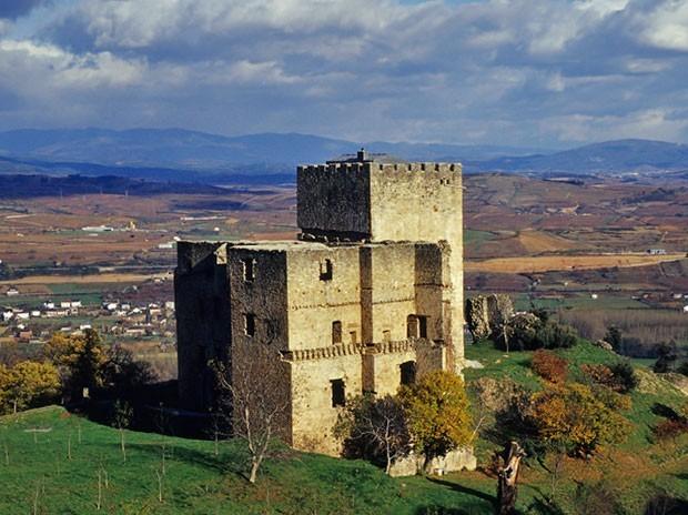 Castillo de Corullón / Foto de Turismo de León