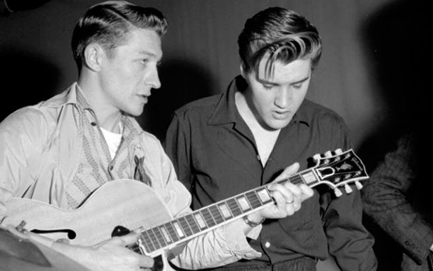 Scotty Moore y Elvis Presley