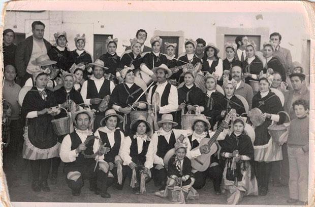 Foto de época del Carnaval Zorrero de Esparragosa de La Serena (Badajoz)
