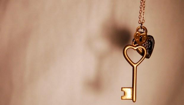 Αυτές Είναι οι 4 Καλύτερες Κρυψώνες για τα Εφεδρικά Κλειδιά σας!