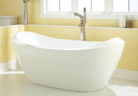 Πριν ξεκινήσετε το καθάρισμα της μπανιέρας σας θα πρέπει να ξέρετε από τι υλικό είναι φτιαγμένη.