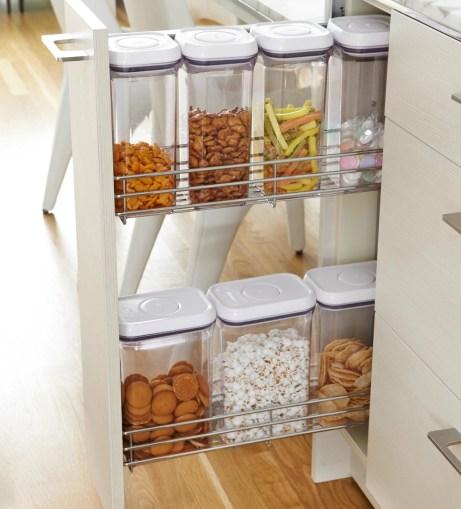 Τα κουτιά με τα δημητριακά μπορούν να τοποθετηθούν σε ένα κατακόρυφο συρτάρι.