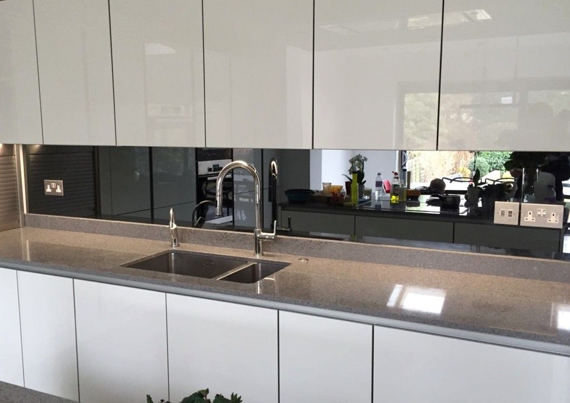 Compelling Kitchen Mirror Glass Splashback Mirror Glass Splashbacks Splashbacks Company S On Glass Canvas S On Glass Bottles photos Pictures On Glass