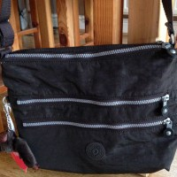 Review: Kipling Alvar Shoulder Bag