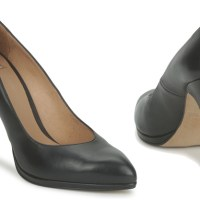 Black Court Shoes - A Wardrobe Staple
