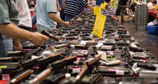 A gun show in Houston, Texas./Wikipedia photo by glasgows - Flickr