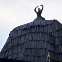 Über dem Hafen von Kiel: Franziska van Almsick taufte Mein Schiff 4