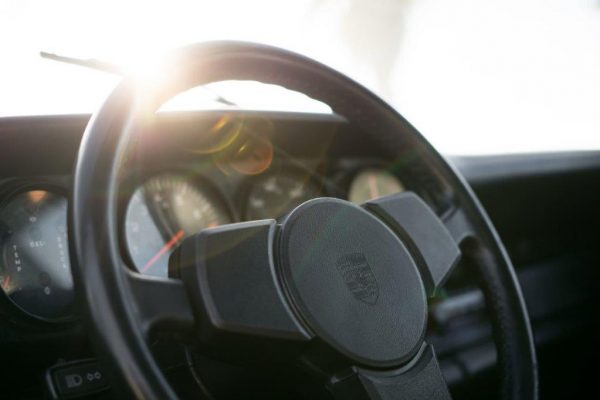 Porsche 911 Carrera 3.0-13
