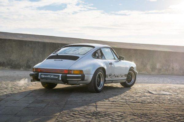 Porsche 911 Carrera 3.0-21