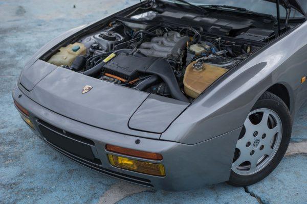 porsche-944-turbo-24