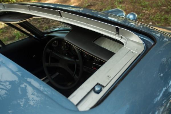 Porsche 911 2_4 S-11