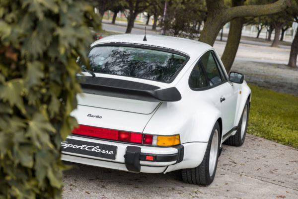 Porsche 930 Turbo Branco-18